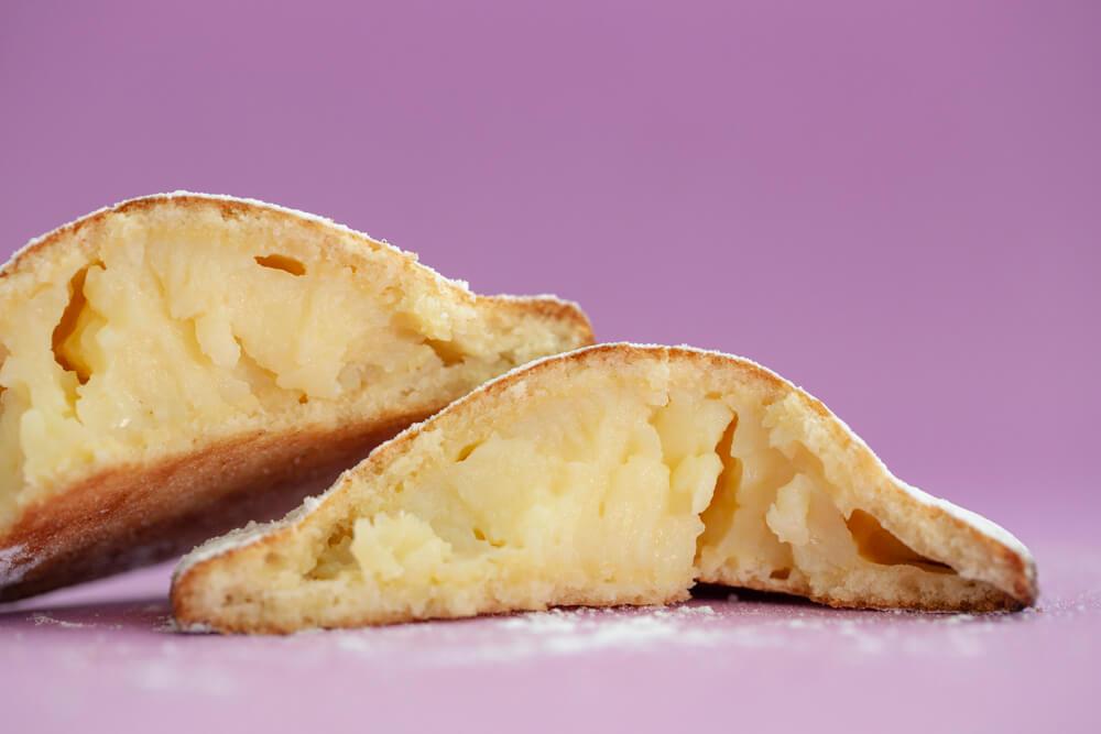 La genovese il dolce tipico ericino ripieno di crema